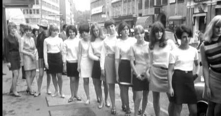 Retrospectacle: The Rise of the Miniskirt